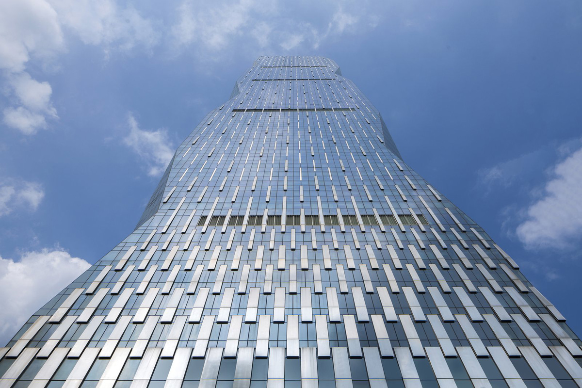 Goettsch Partners Designs 1 000 Foot Tower Of Stainless