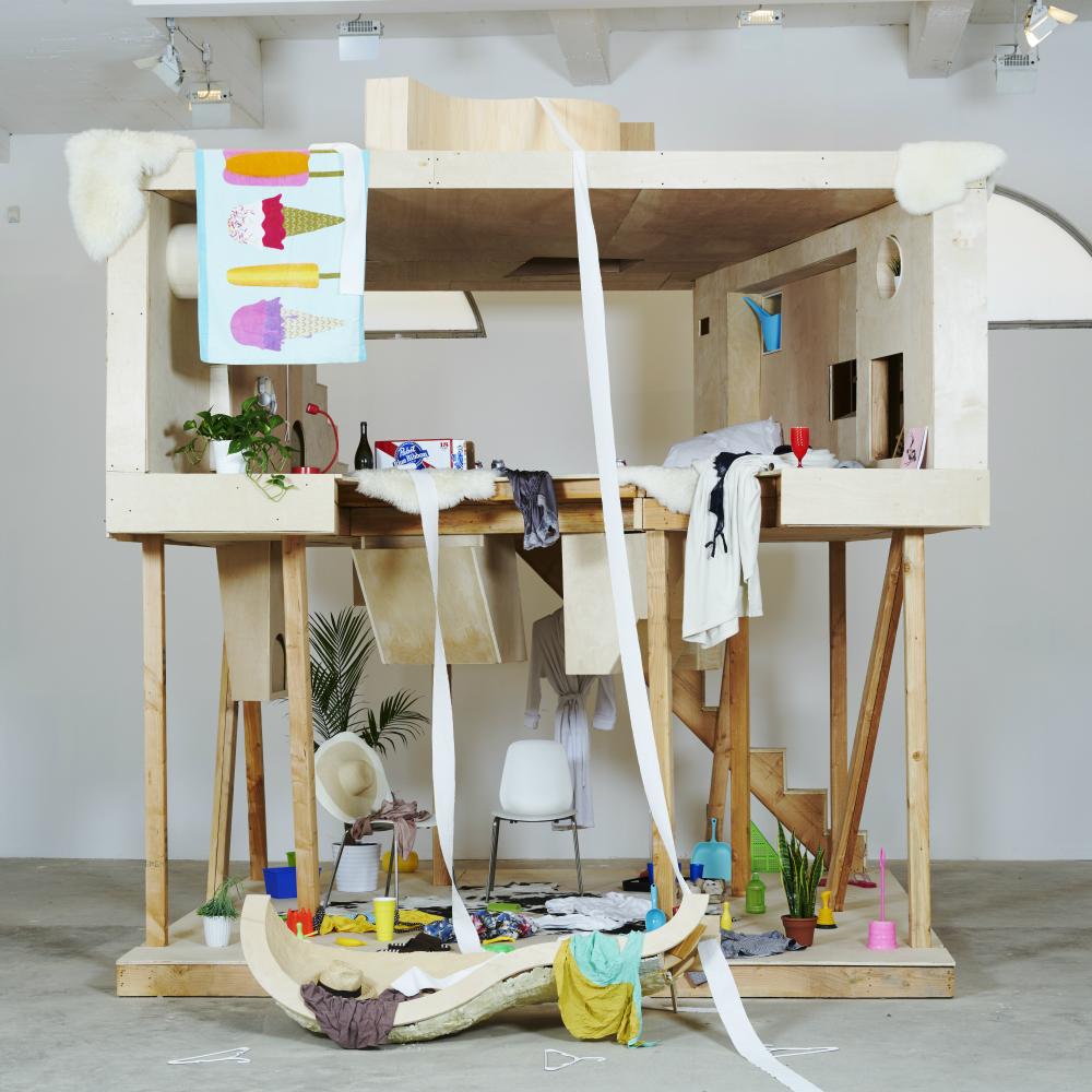 Bureau spectacular reinterprets the primitive hut for for Bureau spectacular