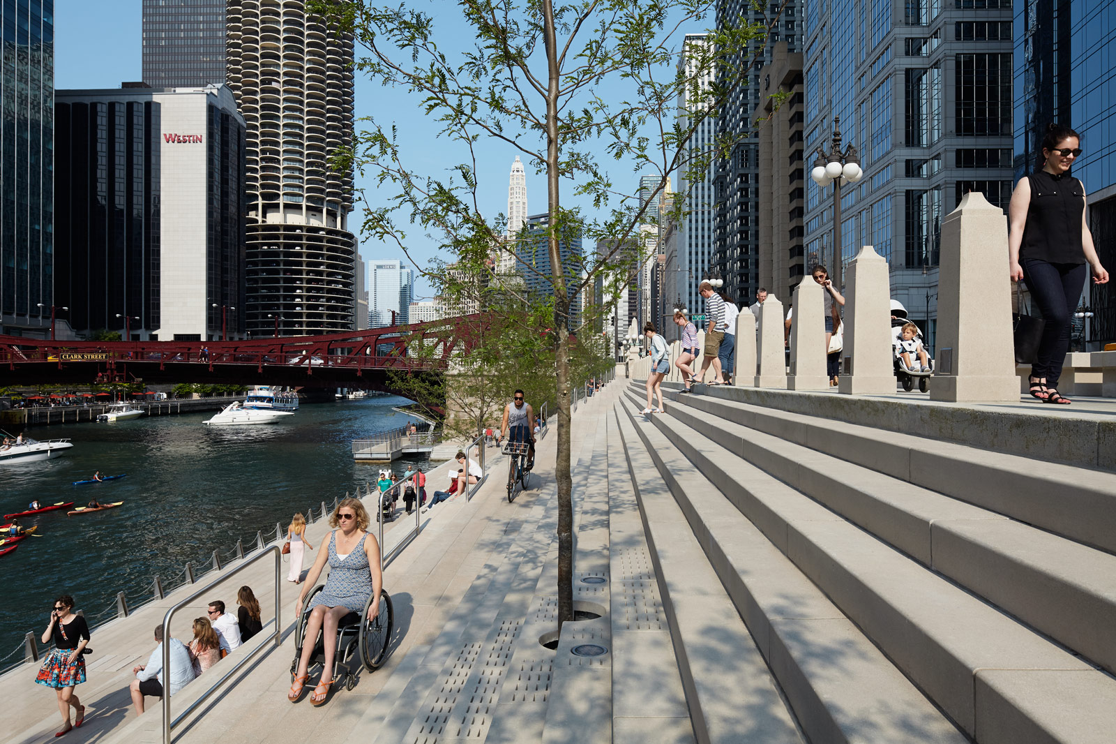 Much anticipated final phase of the chicago riverwalk is for Ross architecture