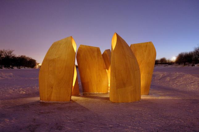 V&A exhibit plywood