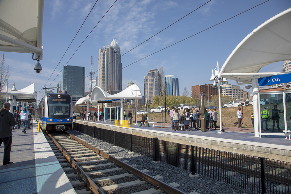 Charlotte S Light Rail Extension Connects Unc Charlotte To